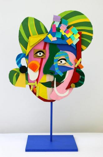 Frauenkopf, dreidimensional in Anlehnung an Pablo Picasso gestaltet (Pappe, Acrylfarbe, Tonkarton, Holz), HOPP´s MAL Kunstschule