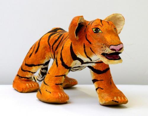 Tiger aus Pappmaché, HOPP´s MAL Kunstschule
